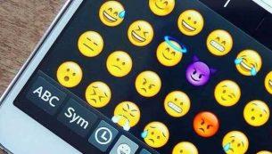 چگونه در هر دستگاه اندرویدی از اموجی (Emoji) استفاده کنیم؟