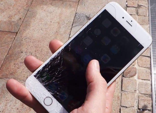 شکستن صفحه نمایش آیفون