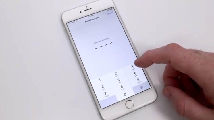 بخش Touch ID and Passcode آیفون
