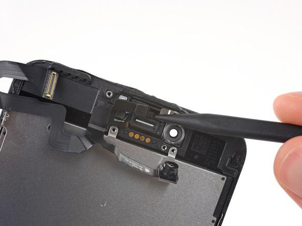 با استفاده از پنس سنسور مجاورت را کاملا از جایگاه اختصاصی خود جدا کنید.