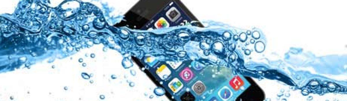 چگونه گوشی سامسونگ یا آیفون آب خورده را تعمیر کنیم؟