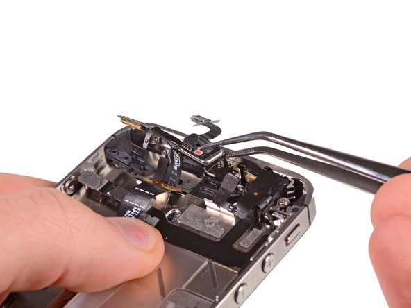 تعمیرات آیفون : آموزش تعویض اسپیکر مکالمه آیفون 4S