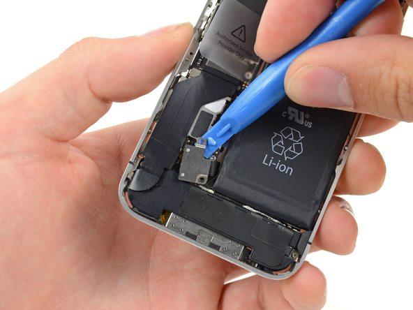 تعمیر آیفون : آموزش تعویض واشر لاستیکی دکمه هوم آیفون 4S