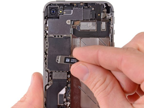 تعمیر آیفون : آموزش تعویض سیم آنتن آیفون 4S اپل (iPhone 4S)