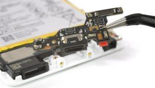 تعمیرات هواوی: تعویض فلت شارژ گوشی هوآوی پی ۹