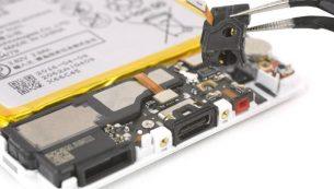 تعمیرات هواوی: تعویض جک هدفون گوشی هوآوی پی ۹
