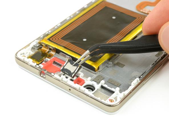 تعمیرات موبایل : آموزش تعویض اسپیکر مکالمه هوآوی P8 Lite