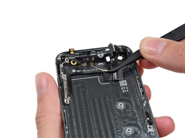 iPhone 5s Upper Component Cable Replacement