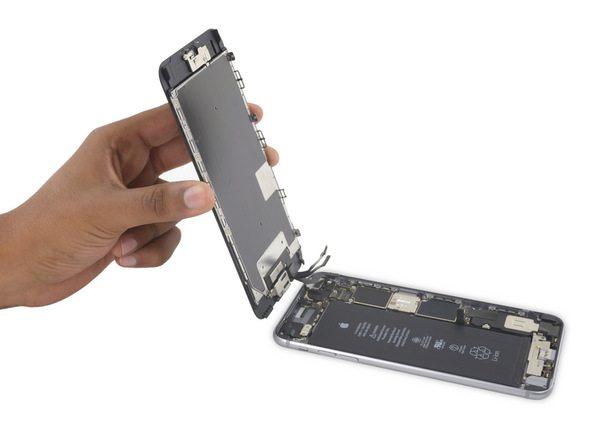 پنل پشت و جلوی آیفون 6S Plus تعمیری را کاملا از هم جدا کنید.