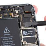 کانکتور برد آیفون 5S تعمیری را باز کنید.
