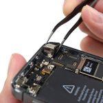 میتوانید تعویض دوربین اصلی آیفون 5S را انجام دهید. به منظور بستن گوشی باید تمام مراحل شرح داده شده را به ترتیب از انتها با ابتدا طی کنید. چنانچه در رابطه با هر یک از مراحل تعمیر موبایل آیفون سوالی داشتید، میتوانید ضمن تماس با کارشناسان واحد پشتیبانی شرکت موبایل کمک از آن ها راهنمایی دقیق تری بخواهید.