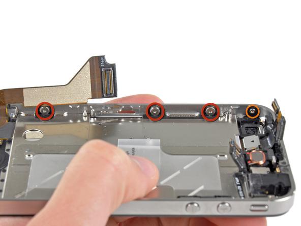 سه پیچ 1.5 میلیمتری که در عکس با رنگ قرمز مشخص شدهاند را از لبه سمت چپ قاب آیفون 4 تعمیری باز کنید.