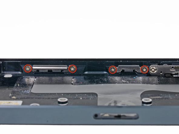 پیچ های 1.3 میلیمتری که در لبه های درب پشت آیفون 5 واقع شدهاند و نگهدارنده گیره های قاب آیفون 5 هستند را باز کنید.