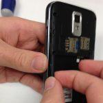 گوشی Galaxy S2 T989 تعمیری را مثل عکس اول در دستتان بگیرید.