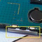 تعویض تاچ و ال سی دی Galaxy S3 Mini را انجام دهید. بدین منظور باید تاچ و ال سی دی جدید را روی گوشی نصب کنید.