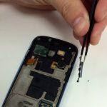 میتوانید تعویض دکمه ولوم Galaxy S3 Mini را انجام دهید. برای بستن گوشی لازم است مراحل شرح داده شده را از انتها به ابتدا مرور کرده و در صورت نیاز به شکل معکوس انجام دهید. چنانچه در رابطه با هر یک از مراحل عنوان شده سوالی داشتید، میتوانید ضمن تماس با کارشناسان واحد تعمیر موبایل کمک از آن ها راهنمایی دقیق تری بخواهید.
