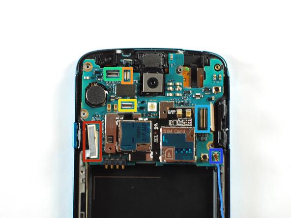 کانکتور USB که در عکس با رنگ قرمز مشخص شده را باز کنید.