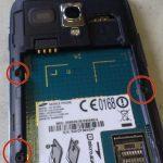 بعد از تعویض تاچ و ال سی دی Galaxy S3 Mini تعمیری، به منظور بستن گوشی تمام مراحلی که در مقاله شرح داده شدند را به ترتیب از انتها به ابتدا مرور کرده و در صورت نیاز به شکل معکوس انجام دهید. چنانچه در رابطه با هر یک از مراحل شرح داده شده سوالی داشتید، میتوانید ضمن تماس با کارشناسان واحد تعمیر شرکت موبایل کمک از آن ها راهنمایی دقیق تری بخواهید.