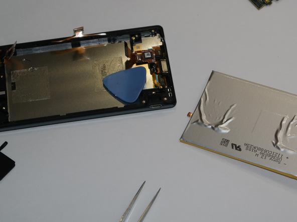 تعمیرات موبایل : آموزش تعویض باتری اکسپریا ZL سونی
