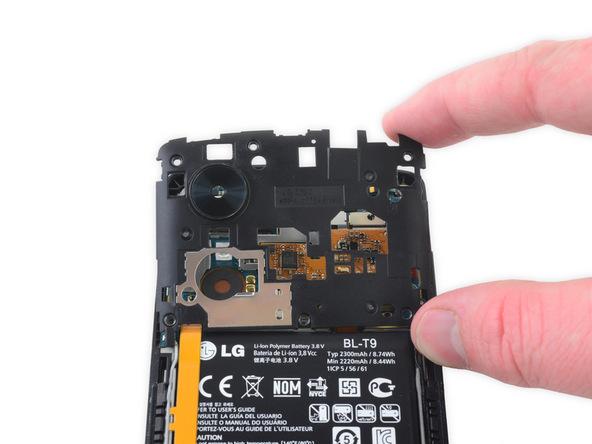 تعمیر موبایل : آموزش تعویض فریم میانی Nexus 5 (درپوش محافظ برد)
