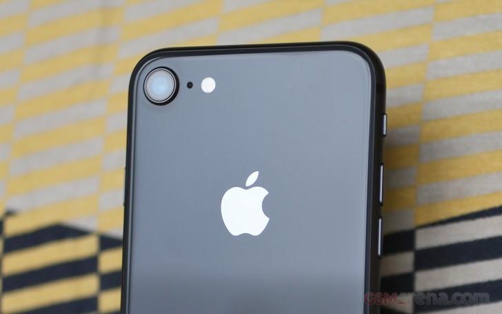 تعمیر دوربین آیفون 8 اپل با کمترین هزینه ممکن