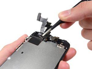 تعمیر دوربین آیفون SE اپل با کمترین هزینه در موبایل کمک