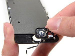 تعمیر دکمه هوم آیفون SE اپل با کمترین هزینه و قیمت در موبایل کمک
