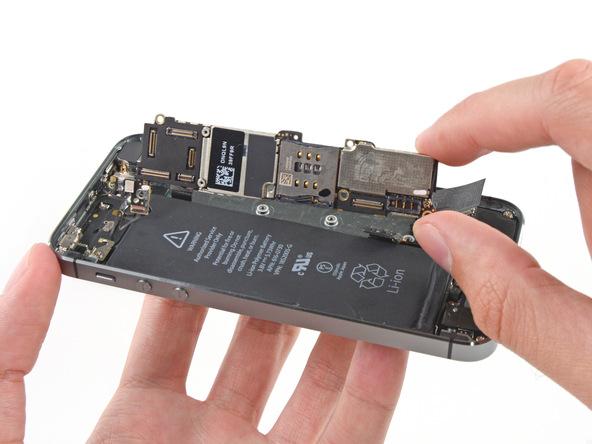 تعمیر برد آیفون SE اپل