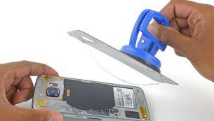 تعویض قاب پشت گلکسی اس ۶ اج با ارزان ترین قیمت در موبایل کمک