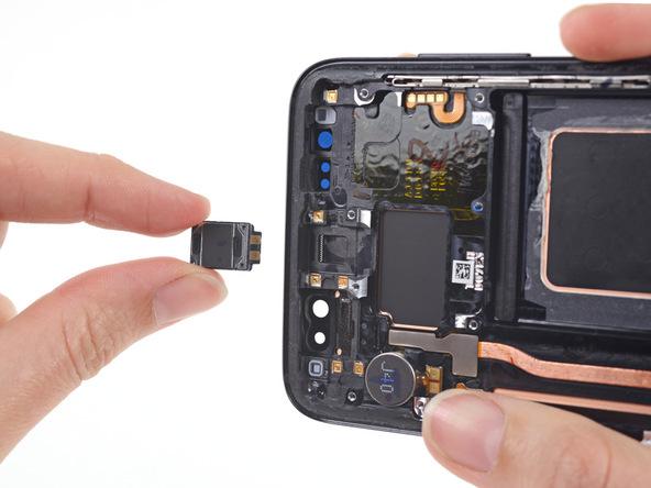 تعمیر اسپیکر مکالمه گلکسی اس 8 با کمترین قیمت در موبایل کمک