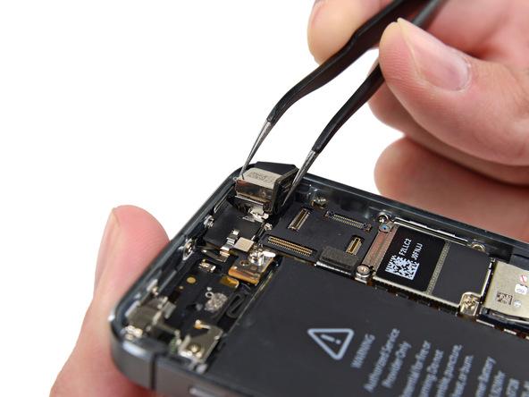 تعمیر دوربین آیفون 5S با کمترین هزینه