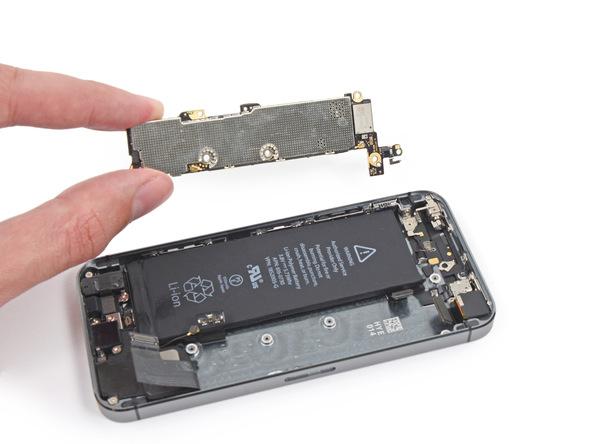 تعمیر برد آیفون 5S اپل