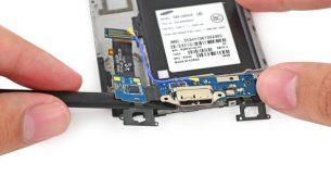 تعمیر یا تعویض فلت شارژ سامسونگ گلکسی اس ۵ | موبایل کمک