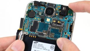 تعمیر یا تعویض دوربین S4 سامسونگ – I9500 | موبایل کمک