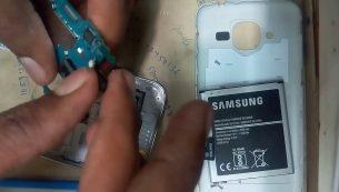 تعمیر یا تعویض دوربین سامسونگ گلکسی جی ۲ مدل ۲۰۱۶  | موبایل کمک