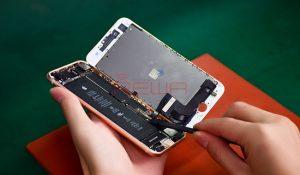 تعویض گلس آیفون 8 اپل با کمترین قیمت و بهترین کیفیت