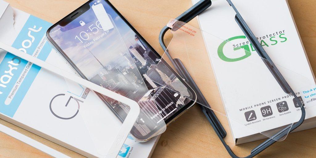 تعویض گلس آیفون XS اپل با کمترین قیمت در موبایل کمک