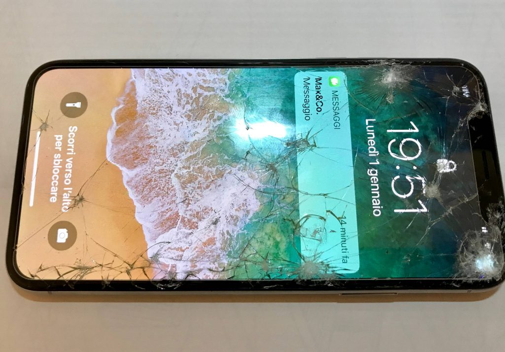 تعویض گلس ال سی دی آیفون X اپل با قیمت باورنکردنی