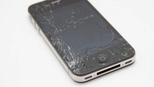تعویض گلس یا شیشه شکسته آیفون ۴s