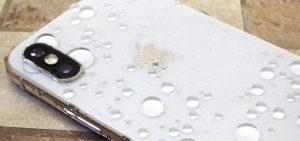 تعمیر آیفون XS آب خورده با بهترین کیفیت در مرکز موبایل کمک