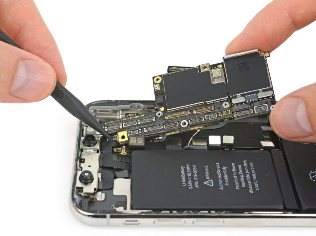 تعمیر برد آیفون XS اپل
