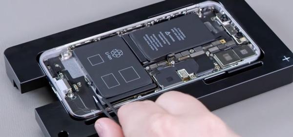 تعویض باتری آیفون XS