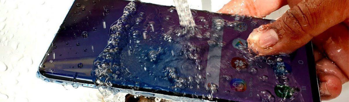 تعمیر گلکسی S10 پلاس آب خورده را به موبایل کمک بسپارید!
