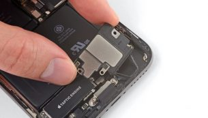 تعمیرات آیفون: تعویض بازر یا بلندگو آیفون XS اپل