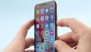 تعمیر دکمه پاور آیفون XS اپل با قیمت عالی در موبایل کمک