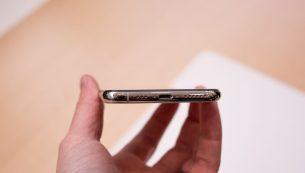 تعمیر سوکت شارژ آیفون XS با کمترین قیمت در موبایل کمک