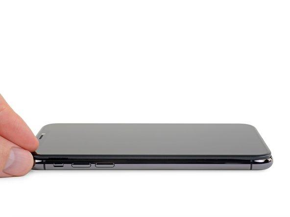 باز کردن کتابی شکل قاب iPhone XS