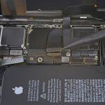 آزاد کردن کانکتور ال سی دی iPhone XS