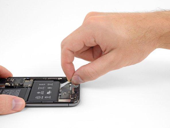 آزاد کردن دومین چسب نگهدارنده باتری
