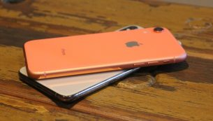 تعمیر دکمه پاور آیفون XR اپل با قیمت مناسب در موبایل کمک